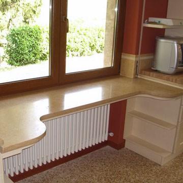 стол переходящий в подоконник фото