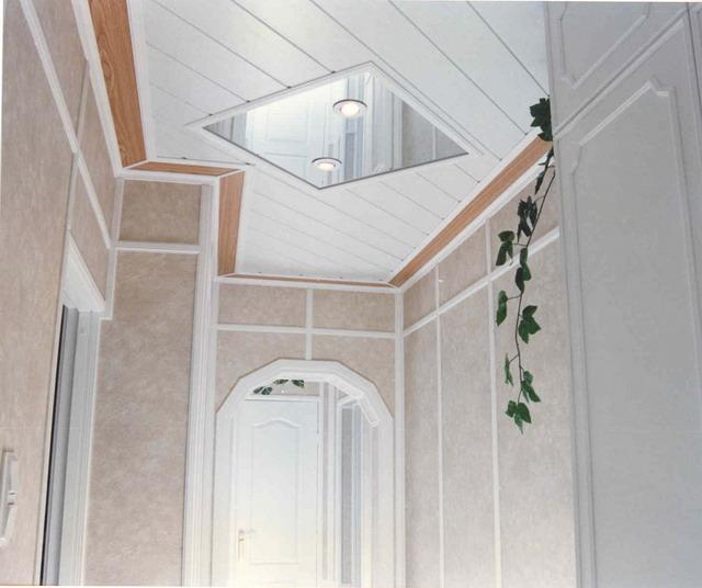 Как сделать в коридоре потолки из пластика